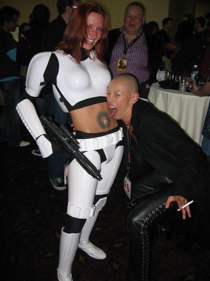 Leia's Metal Bikini ? the Greatest Web Site on the Entire Internet
